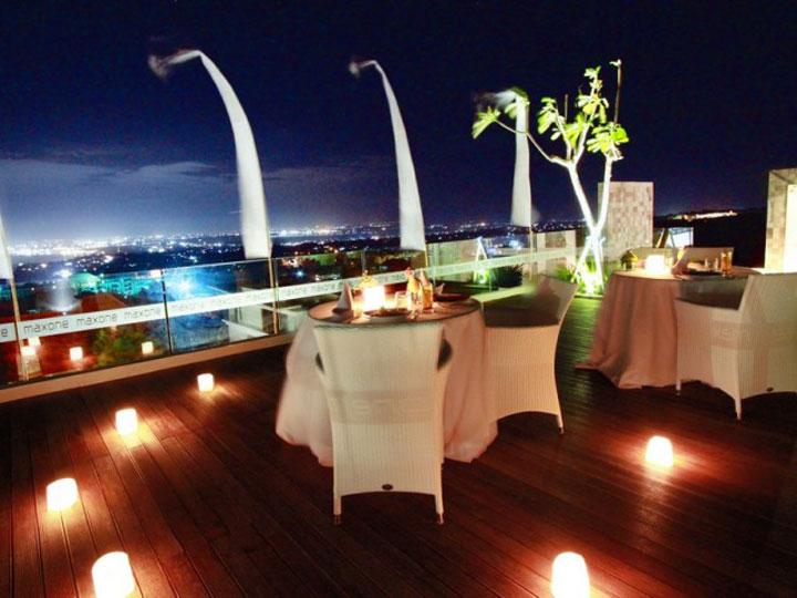 MaxOneHotels at Bukit Jimbaran - Candle Light Dinner - Hoterip, Layanan Pesan Hotel Terbaik, Pesan dan Booking Hotel di Bali