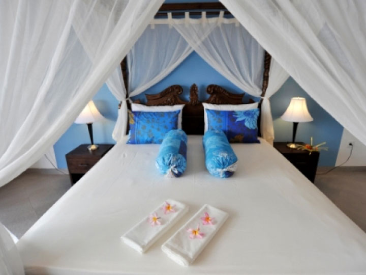 Aquarius Beach Hotel - Bed - Hoterip, Layanan Pesan Hotel Terbaik, Pesan dan Booking Hotel di Bali