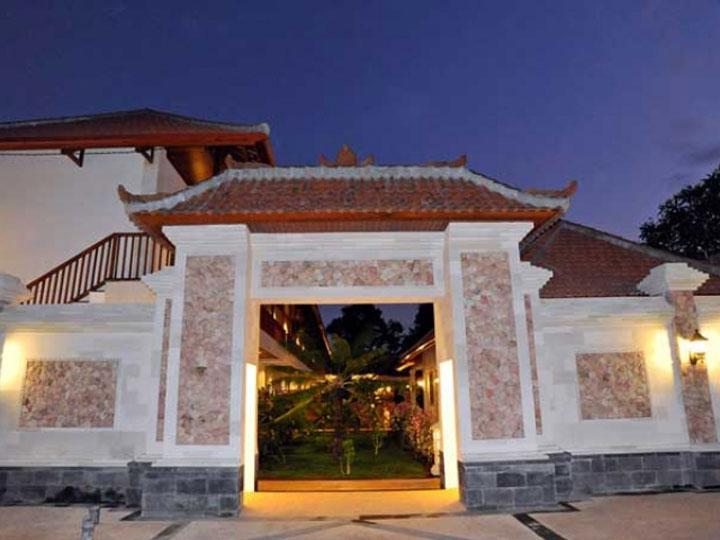 Aquarius Beach Hotel - Entrance - Hoterip, Layanan Pesan Hotel Terbaik, Pesan dan Booking Hotel di Bali