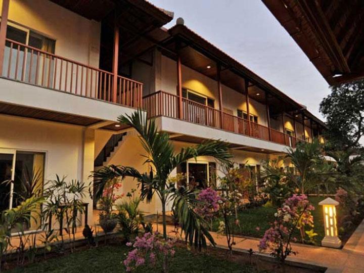 Aquarius Beach Hotel - Exterior Hotel - Hoterip, Layanan Pesan Hotel Terbaik, Pesan dan Booking Hotel di Bali